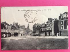 60 Oise, Noyon, Place De L'Hôtel De Ville, Commerces, 1929, (C. M.) - Noyon