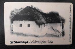 SLOVENIA  Belokaranjska Hisa Traditional House Chip Phonecard 100 Impulz - Slovenia