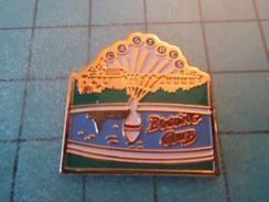 Pin1315A Pin's Pins / Beau Et Rare :  BOWLING DE CASTRES Comment Ils Jouent Si Ils Ont Plus De Boules, Les Castrés ? - Bowling