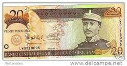 DOMINICAN REPUBLIC 20 Pesos Oro 2004 UNC - Dominicaine
