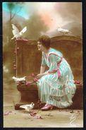 Jeune Femme Avec 4 Colombes - Circulé - Circulated - Gelaufen 1919. - Femmes