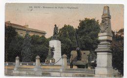 (RECTO / VERSO) METZ EN 1932 - N° 119 - MONUMENT DU POILU A L' ESPLANADE AVEC CANON - TRACES DE PAPIER - CPA VOYAGEE - Metz