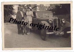 Autos Voitures Automobiles Cars - Photo Originale - Cabriolet DKW F7 Avec La Petite Famille - Coches