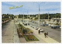 {78050} 37 Indre Et Loire Tours , Rue Nationale Et Pont Sur La Loire ; Animée , Citroën DS Tube HY , Renault , Simca - Tours