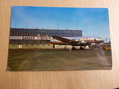 AIRPORT / FLUGHAFEN / AEROPORT    GANDER INTERNATIONAL    CONSTELLATION TWA  REFUELING - Aerodromi