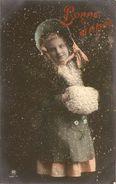 BONNE ANNEE  ---  Petite Fille Avec Manteau Et Châpeau - Neujahr