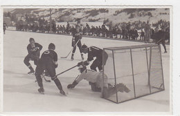 Eishockey-Match - Verm. EHC Freiburg - Schöne Fotokarte Aus Der Zeit      (A-54-130309) - Sport Invernali