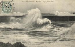 B 1006 - St Malo (35) Vague Pres Du Mole - Saint Malo