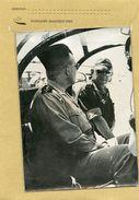 Photo  De Presse  Année 60 - Le Général   GRACIEUX  Et  CHALLE  Au Cours D'une Inspection En  ALGERIE - Oorlog, Militair