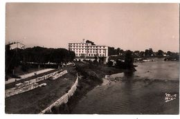 82  MOISSAC  BORDS DU TARN  ET HOTEL DU CETOULIN  -  CPSM 1940 / 50 - Moissac