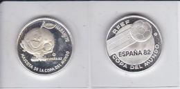 LOTE DE 2 MONEDAS DE PLATA DEL MUNDIAL DE FUTBOL DE ESPAÑA 1982 COPA DEL MUNDO RFEF - NARANJITO - [ 5] 1949-… : Regno
