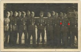 AK 2. Weltkrieg Wehrmacht Soldateneinheit Mit Armbinden ~1940 #50 - Guerra 1939-45