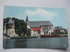 M26 CPA Givet - L'Eglise Et La Meuse - 1963 - Givet