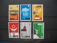 Lot De Timbre Singapour N° 97 à 102   Neuf** Côte 140 €   à Voir - Singapore (1959-...)