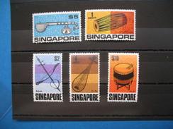 Lot De Timbre Singapour N° 103 à 107   Neuf** Côte 80 €  à Voir - Singapour (1959-...)