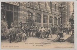 59 Armentieres 1911 Les Pompiers Ecole Nationale Professionnelle TB Animée éditeur Bulteau N°20 - Armentieres