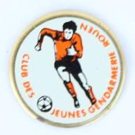 Pin's GENDARMERIE ROUEN (76) - CLUB DES JEUNES - Le Footballeur - G936 - Armee