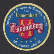 Etiquette De Fromage Camembert   -  L'Agramont  -  Laiterie Agramont (Rémond)  à  Saint Jean De Sauves  (86 T ) - Cheese