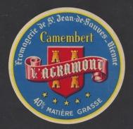 Etiquette De Fromage Camembert   -  L'Agramont  -  Laiterie Agramont (Rémond)  à  Saint Jean De Sauves  (86  ) - Cheese