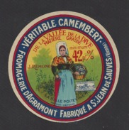 Etiquette De Fromage Camembert (petit) -La Belle Poitevine-  Fromagerie D'Agramont J. Rémond à Saint Jean De Sauves (86) - Cheese