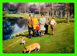 FAMILLES ROYALES - THE ROYAL FAMILY AT FROGMORE - J. ARTHUR DIXON - - Royal Families