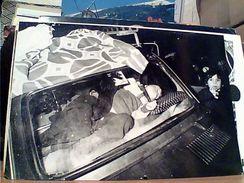TERREMOTO NAPOLI 1980 CARD DA FOTO INVIATO FRANCESE M GINEIS BAMBINO DORME IN AUTO N1980 GH17196 - Rampen