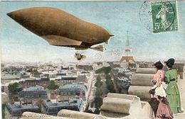 Dirigeable  Militaire Au-dessus Le Tour D'Eiffel   -  CPA - Zeppeline