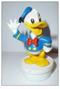 DG022 - Figurine Donald Sur Bouchon De Smarties - Disney