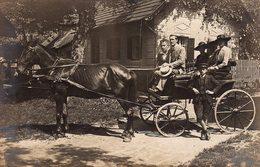 Carte Photo Original Voiture Hippomobile - Famille En Calèche Vers 1910 - Attelage à Un - Automobiles