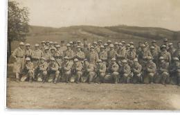 GROUPE DE SOLDATS  (indiqué Au Dos 94ème à SAINT CHERON  ESSONNE) - Régiments