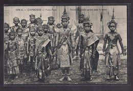 CPA CAMBODGE - PNOM-PENH - Petites Coryphées Parées Pour La Danse - SUPERBE GROS PLAN - Cambodia