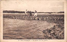 ¤¤  -  ILE-D'OLERON  -  La Pêche Sur Les Ecluses       -  ¤¤ - Ile D'Oléron