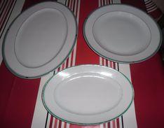 3 PLATS EN FAIENCE DONT 2 NEUFS - Dishes
