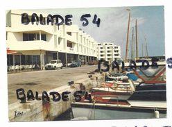 CPM -  LE BARCARES (66) Le Port De Plaissance (bateaux, Voitures) - Port Barcares