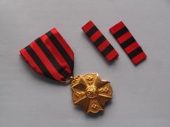 Medaille - Medal ( Details Zie Foto's / Telkens Voor En Achterzijde Of Detailfoto ) ! - Belgique