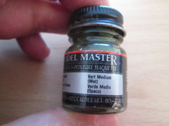 Cause Arrêt Activité Maquettiste VENDS PEINTURE ENAMEL MODEL MASTER Vert Médium Mat,  Pot Neuf - Tools & Finish