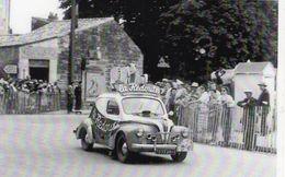 Renault 4CV Publicité La Redoute  -  Tour De France 1950  -  CPM - Voitures De Tourisme