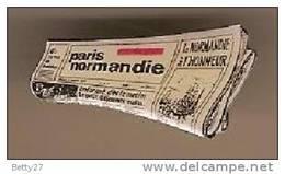 Pin's  Revue Livre Journal  PARIS NORMANDIE P3 - Médias