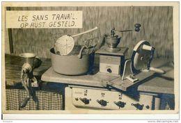 CUISINE - Vieux Appareils Ménagers Datant De 1940/1950- Cuisinière Gaz, Friteuse, Moulin à Café Et à Viande, Trancheuse - Cartes Postales
