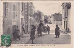 Auxances (Vienne) La Route Nationale De Saumur Et La Grande Rue - Other Municipalities
