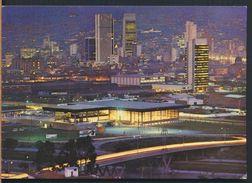 °°° 9383 - COLOMBIA - MEDELLIN - VISTA NOCTURNA DE LA CIUDAD EN PALACIO DE LAS EXPOSICIONES °°° - Colombia