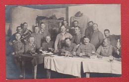 Woevre --  Carte Photo Soldats Allemands Dans Une Maison  --  10 Inf Div - Non Classés