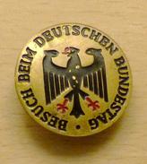 INSIGNE Visite Du Bundestag à Bonn ( Années 70 ) - Oggetti 'Ricordo Di'