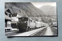 Photo Locomotive  1670 22 Gare De St Saint Anton?Autriche Cliché SCHNABEL 1966 - Gares - Avec Trains