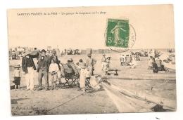 SAINTES MARIES DE LA MER UN GROUPE DE BAIGNEURS SUR LA PLAGE  CPA1204 - Saintes Maries De La Mer