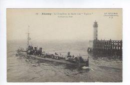 CPA Fécamp Le Torpilleur De Haute Mer Typhon Sortant Du Port N° 63 L.J. - Fécamp