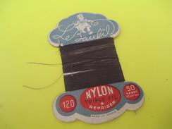 Mercerie/Carton Présentoir/Le Baufil/Nylon/Triplefil/à Repriser/St Patrick/Spécial Pour Bas Nylon /Vers1940-1960   MER57 - Habits & Linge D'époque