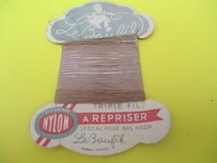 Mercerie/Carton Présentoir/Le Baufil/Nylon/Triplefil/à Repriser/St Patrick/Spécial Pour Bas Nylon /Vers1940-1960   MER58 - Habits & Linge D'époque