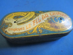 Mercerie/Petite Boite Métallique Vide/ Fil Au Chinois/Pourcoudre Solidement/AuFil D'Or /Vers 1940-1960   MER59 - Habits & Linge D'époque