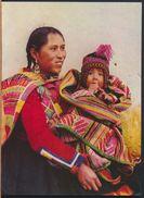 °°° 9398 - PERU - MADRE NATIVA CON VESTIMENTA DOMINICAL - 1981 °°° - Perù